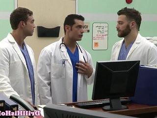 Gaylovemaking bottom cums during threeway joy