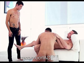 HD queerRoom Cute guy joins his roomies for a threesome