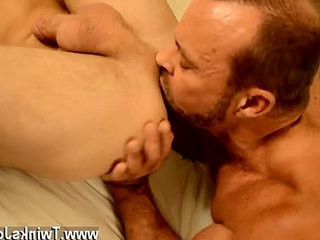 Sexy gay gratefully, muscle daddy Casey has some ideas of how to pack